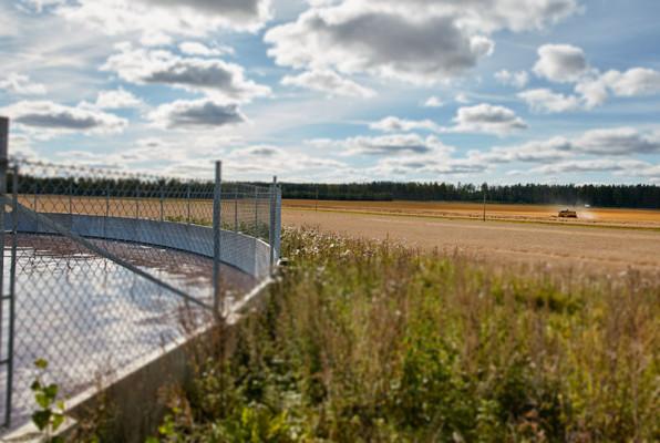 Avlopsslam i bassäng. Bassängen är en del av Mälarenergis nya hållbara och unika avloppslösningen i Munga utanför Västerås.