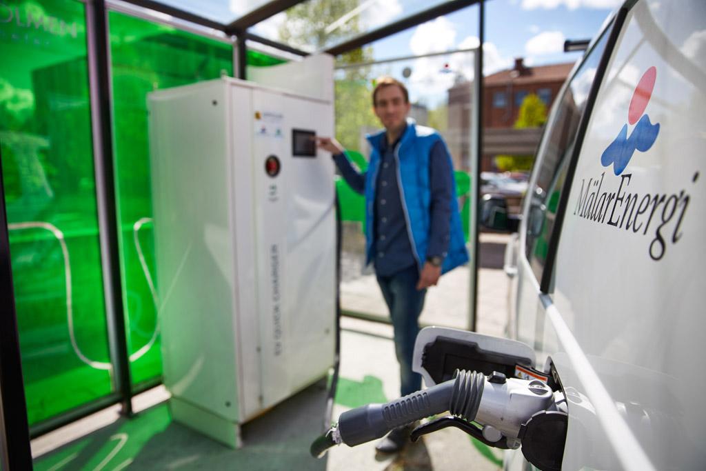 Idag drivs Mälarenergis 180 fordon i första hand av el eller biogas.