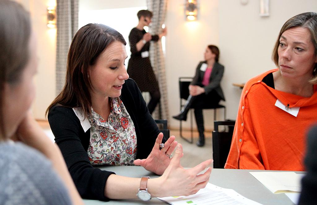 Sara Ståhlberg, HR-generalist Mälarenergi med Pernilla Winnhed, vd Energiföretagen Sverige och språkrör för programmet Qraftsamling. Bilderna är fotograferade av Daniel Löfstedt.