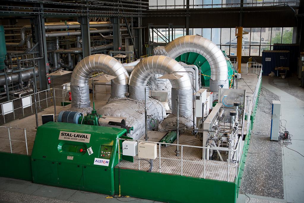 Generator och turbin som nu producerar förnybar el på Mälarenergi.